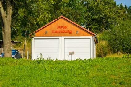 Feuerwehrdepot im Ortsteil Lambzig